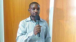 Pastor Israel Mivule preaching (c) Foto: Pastor Israel Mivule